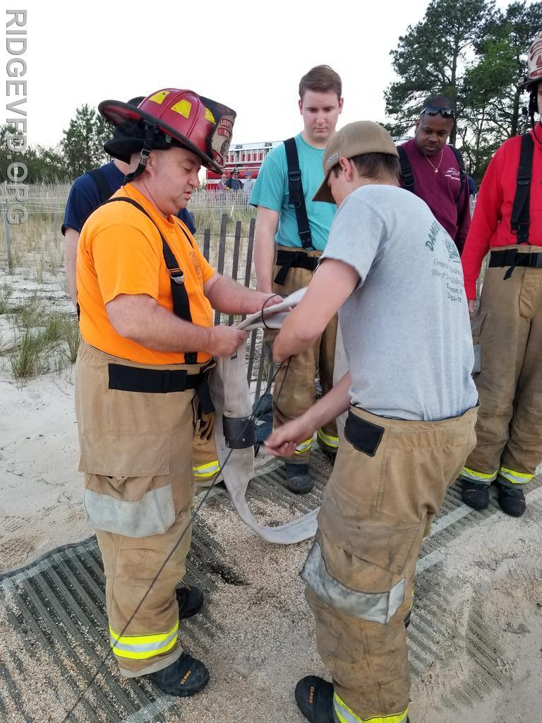 Attaching the Rescue Rope to the supply hose